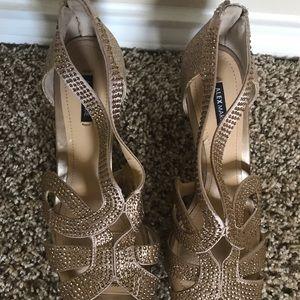 Gold/sparkle high heels (Alex Marie)